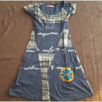 Bővülő fazonú rövid ujjú ruha tintakék színben színes mandalával