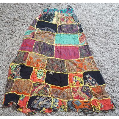 Patchwork jellegű hosszú szoknya türkiz, piros, zöld, sárga színekben