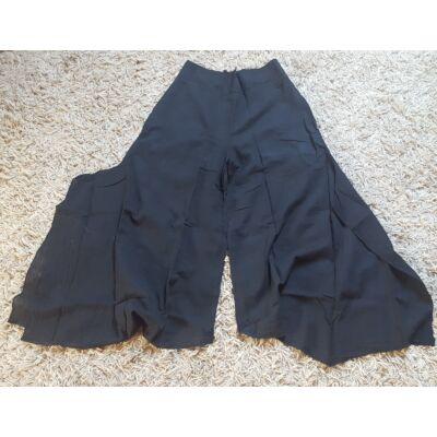 Szuper bő szárú fekete szoknyanadrág gumis derékkal oldalt sliccelve