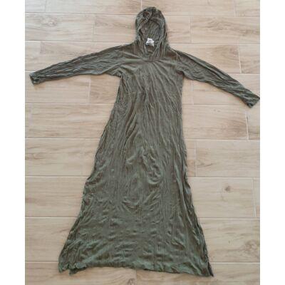 Vékony anyagú olívazöld kapucnis hosszú ujjú oldalt nyitott ruha