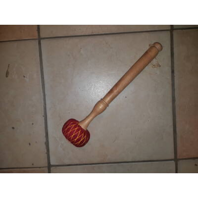 Gongütő piros,6 cm-es fejjel, puhább szövetes