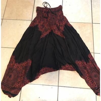 Buggyos Aladdin nadrág fekete alapon piros Mandala mintázattal