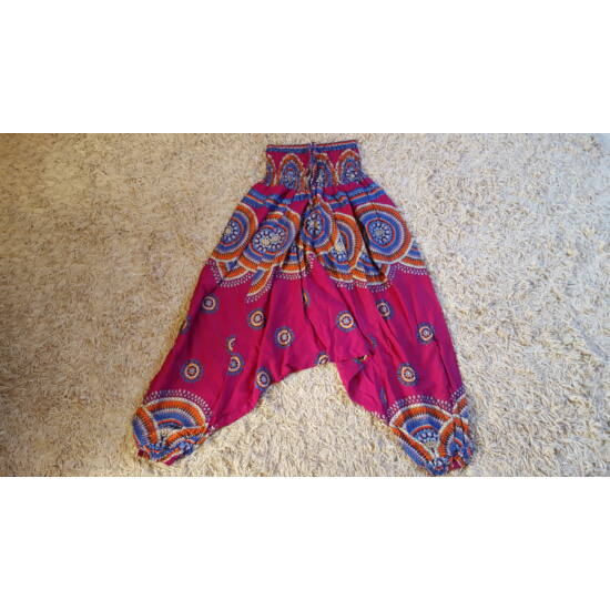 Lila mély ülepű buggyos aladdin nadrág mandala mintázattal