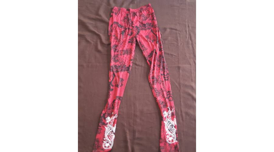b42c3c1578 Hosszú legging piros-fekete csipke mintázat - Jóga legging ...